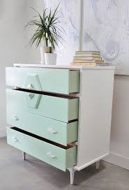 Ideas to paint furniture Diy Painting Use Spray Painting To Transforms Vintage Dresser To Modern Furniture Hative Creative Diy Painted Furniture Ideas Hative
