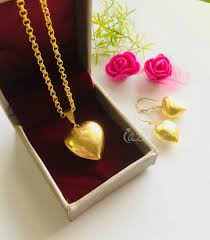 hearts gold plated chain pendant
