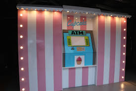 Cupcake Vending Machine Nyc Locations Amazing A Cupcake ATM Is Popping Up During Vivid Eat Drink Play