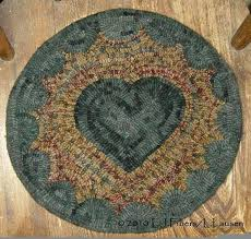 hooked rug chair pad kits patterns heart mat by primitive hooking furniture gorgeous red rugs pads