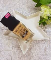 normally i use a foundation for a few weeks before i am totally satisfied with it so when i fell in love with the wet n wild photofocus foundation on