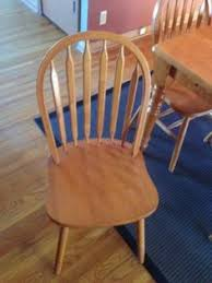 kitchen table and chairs 200 wichita oak kitchen table and chairs a few blemishes in the finish but on overall good shape 6 chairs included