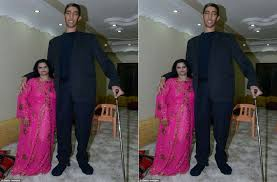 tallest woman in the world 2013 height. Contemporary Height Watch Video Worldu0027s Tallest Man Marries A Short Woman For In The World 2013 Height N