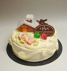 The Japanese Christmas cake is a sponge cake, ornamented with ...