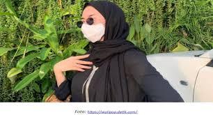 Masker respirator sekali pakai, masker sekali pakai, biru, medis, bahan png. Panduan Pakai Masker Hijab Bagi Pengemudi Wanita Auto2000