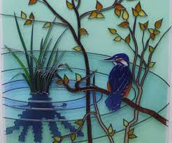 image of kingfisher design etched onto glass