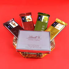 rs 999 00 tempting temptations chocolate gift her