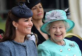 Her husband, prince william, duke of cambridge. The Queen Made Kate Middleton A Very Sweet Offer Over The Weekend Marie Claire