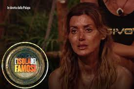 Isola dei Famosi: Daniela Martani inconsolabile «Lo rimpiangerò per sempre»  - DonnaPOP