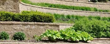 retaining wall installation costs
