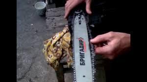 Как правильно натянуть <b>цепь</b> на электропиле - YouTube