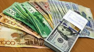 После слухов о девальвации тенге объем торгов в долларах вырос  После слухов о девальвации тенге объем торгов в долларах вырос почти в 4 раза финансовые новости tengrinews