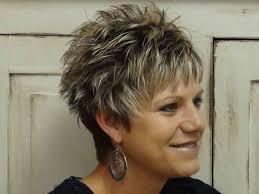 Korte Kapsels Voor Vrouwen Ouder Dan 40 Met Dun Haar Trend Kapsels