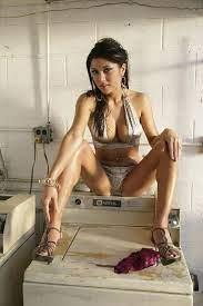 Arianny Celeste Nude On A Balcony