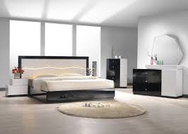 Mirrored Bedroom Set The Different Types Mirrored Bedroom Set Bedroom Design