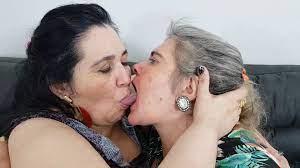 Bbw Brazilian Lesbian Kissing