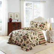 extra large king size quilts quilts extra large king quilt x leafy floral cream stripes