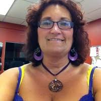 """7 """"Melodie Carr"""" profiles 