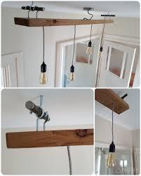Zelfgemaakte Lamp Van Oude Eiken Plank Strijkijzer Snoer En