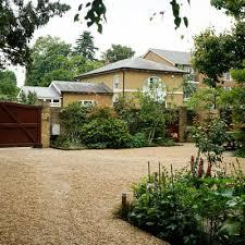 wimbledon village front garden drive