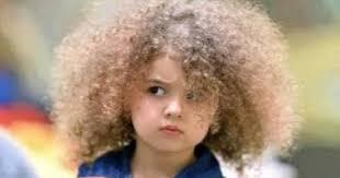 لو بنتك شعرها كيرلى اعرفى إزاى تتعاملى معاه فى 5 نقط
