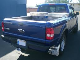 5 reasons to use aluminum diamond plate on your truck bed