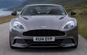 Comparison 2019 Aston Martin Dbs Superleggera Vs Aston Martin Vanquish Top Speed