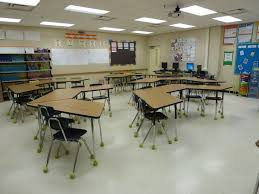 classroom desk arrangements classroom desks in rows lovely best 25 desk arrangements ideas on