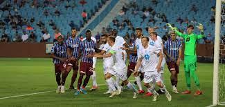 Trotz dreimaliger Führung: Trabzonspor mit 3:3-Remis im Heimspiel gegen  Molde