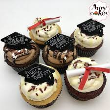 Graduation Cupcakes Choice Of Flavor Amycakes Bakery