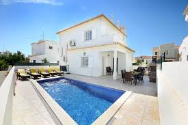 Rent a Villa in Portugal with swimming pool