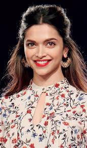 deepika padukone can pull off most looks from sultry oxblood lips to y pink sned cheeks this time we are drooling over her gorgeous retro look