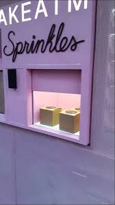 Cupcake Vending Machine Nyc Locations Inspiration How A Cupcake Vending Machine Works In NYC YouTube
