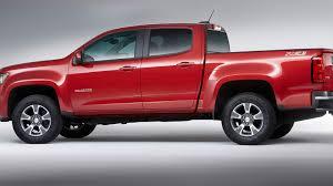 Big updates, mid-size trucks: Canyon, Colorado twins receive new V-6 ...
