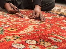 what indicates rug quality small and tight knots and a clear design on the