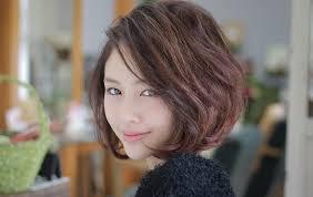 40代の髪型7選ミディアム丸顔や面長に似合う髪型はパーマ