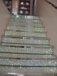 Pin de Sonia Gudiño Reyes en Bricolaje | Escaleras de cristal, Escalera de  lujo, Decoraciones de casa