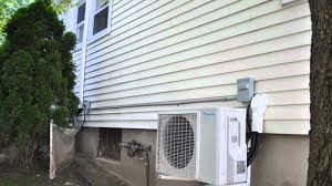 daikin quaternity ductless mini split air conditioner and heat pumps works down to 4 youtube daikin reviews e19