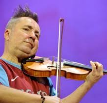 Shocking British violinist <b>Nigel Kennedy</b> performed at the Christmas ...