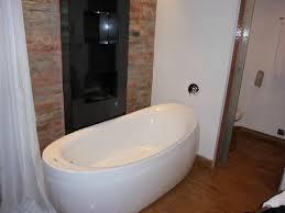 the o hotel bathtub