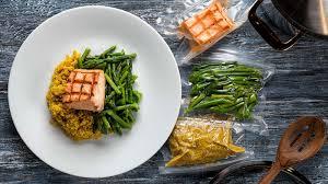 salmon quinoa garden asparagus min800