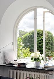 ways to decorate dress your window sills