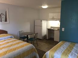 InTown Suites Charleston North: Spacious Two Double Bed Studio Complete  With Kitchenette, Full Size