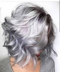 Ga Toch Eens Voor Een Kort Kapsel In Een Grijze Haarkleur Kapsels