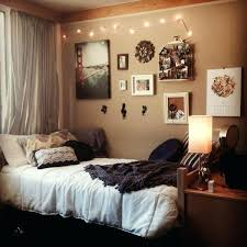 cool wall art ideas for college especially love the wall stuff in here but the bed setup is great as well maybe bring extra pretty fabric to hang behind bed