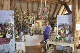Getting to Know - Louise Avery Flowers   The Wedding Community