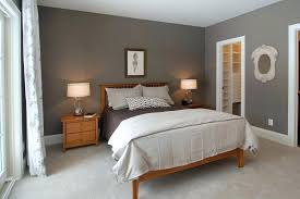 bedding color for tan walls what