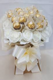 Ferrero Rocher Bouquet Designs 19 99 Gbp Ferrero Rocher Gold Cream Chocolate Bouquet