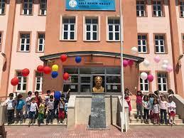 """Ahmet ELVAN on Twitter: """"Geleceğimiz olan öğrencilerimizi  #hazırızbekliyoruz #tcmeb #hmzaydg #sivasmem #ebubekirsavasci… """""""
