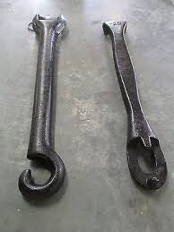 stove handles. vintage pot belly stove wood cast iron 2 original lifter handles $23.50